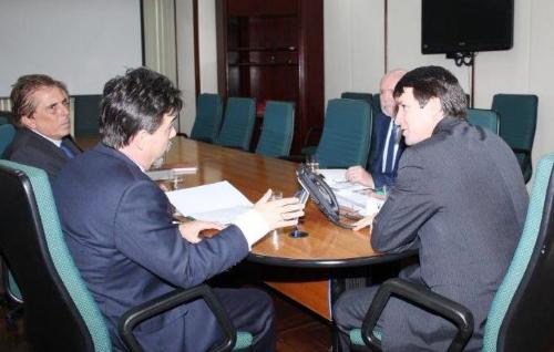 Representantes do Sindirações no Gabinete do Ministro da Agricultura.