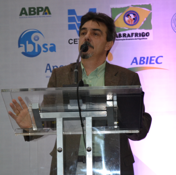 Ariovaldo Zani exalta a flagrante interdependência entre os setores