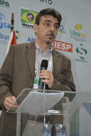 Ariovaldo Zani destacou que o Sindirações integra o grupo de trabalho apartidário que elaborou e encaminhou aos presidenciáveis uma proposta em prol dos interesses do agronegócio.