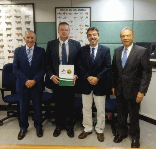 O Secretário de Defesa Agropecuária, Dr. José Guilherme T. Leal, reuniu-se com a equipe Sindirações que trata dos assuntos governamentais em Brasília/DF